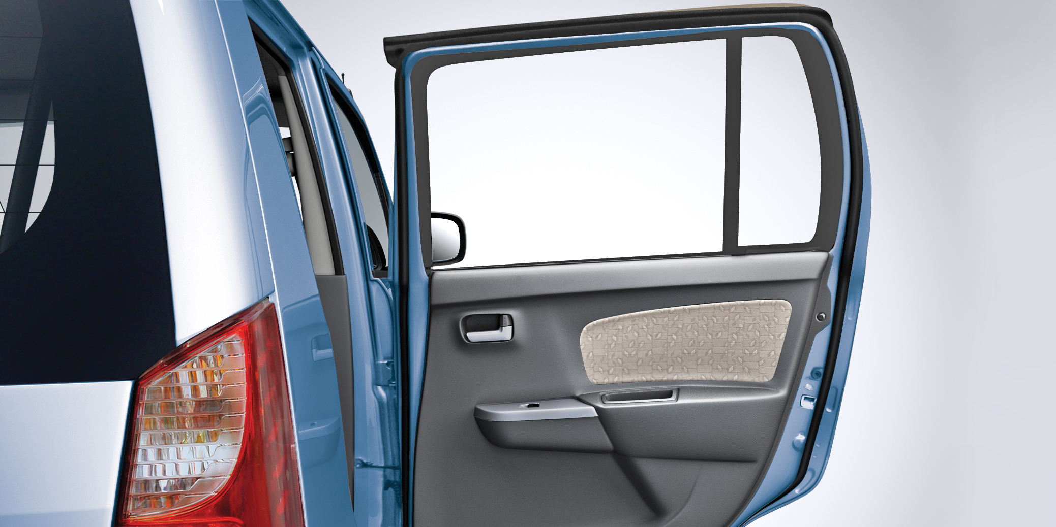 WagonR Interiors Pics – Wide Opening Doors